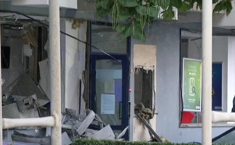 In Otopeni, doua bancomate au fost aruncate în aer.