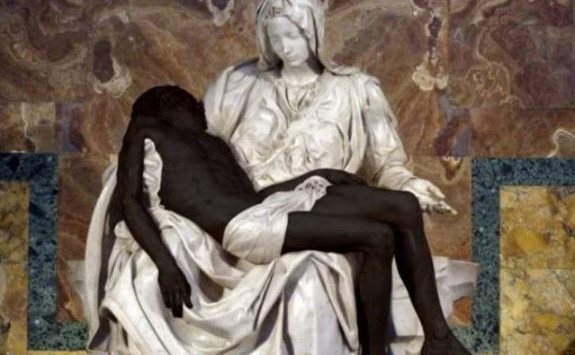 Academia Pontificală pentru Viaţă postează un Pieta cu Isus fotoshopat negru