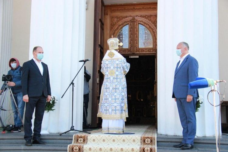 Igor Dodon şi Ion Ceban la oficierea Hramului or. Chişinău