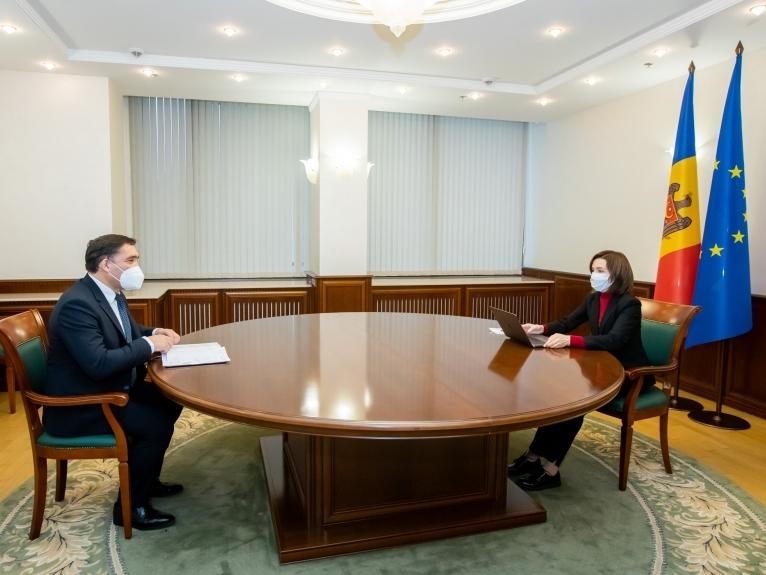 Maia Sandu la discuţie cu Alexandr Stoianoglo
