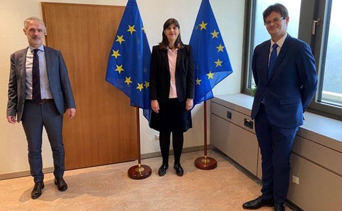 Şefa Parchetului European, Laura Codruţa Kovesi, împreună cu cei doi adjuncţi