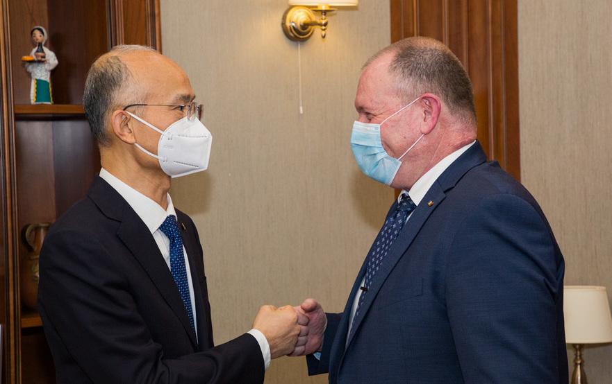 Aureliu Ciocoi, întrevedere cu Ambasadorul Chinei la Chişinău, Zhang Yinghong