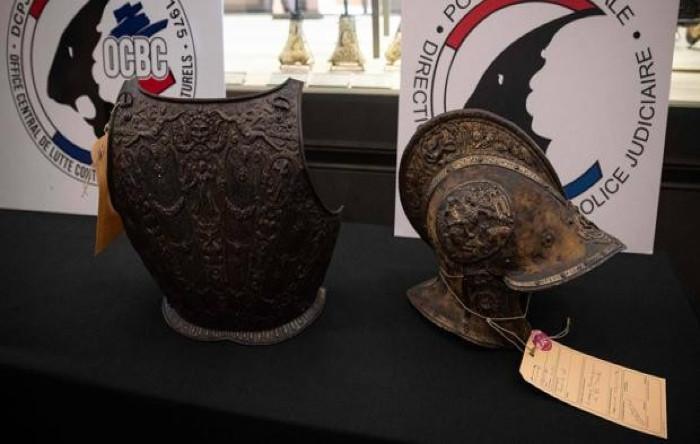 Piesele furate din Muzeul Luvru, Paris, şi recuperate de poliţia franceză