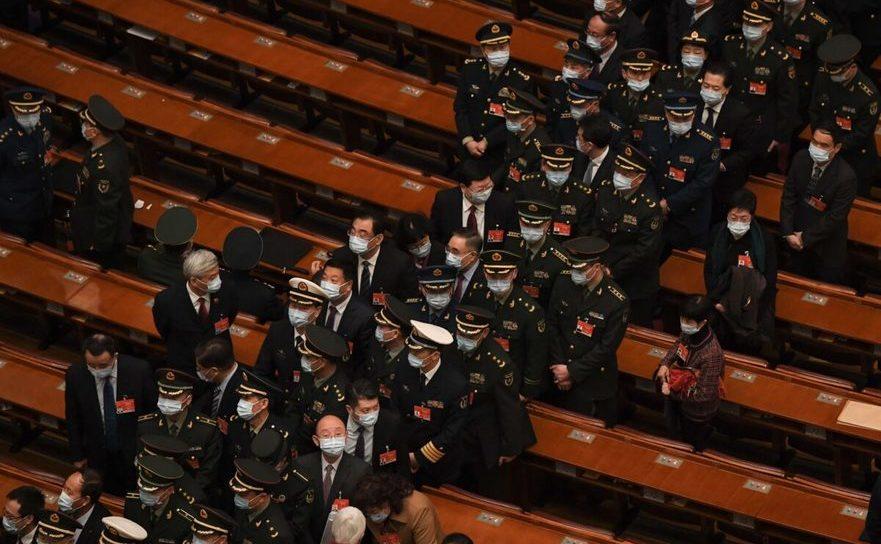 Delegaţi ai Armatei în Marea Sală a Poporului, Beijing, China, 8 martie 2021