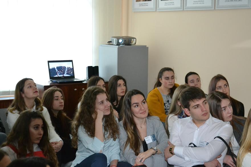 Tineri din R. Moldova