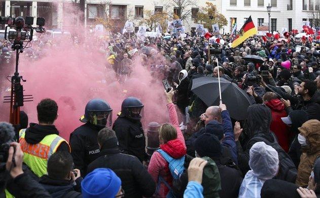 Proteste anti-restricţii în Germania