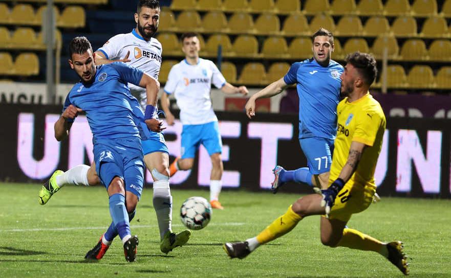 Academica Clinceni -  Universitatea Craiova 1-0 (0-0), în etapa a cincea a fazei play-off a  Ligii I de fotbal.