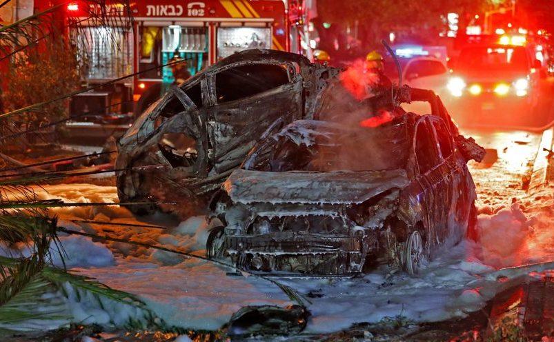 Rachete trase de organizaţia Hamas au aterizat pe autovehicule în oraşul Holon, lângă Tel Aviv