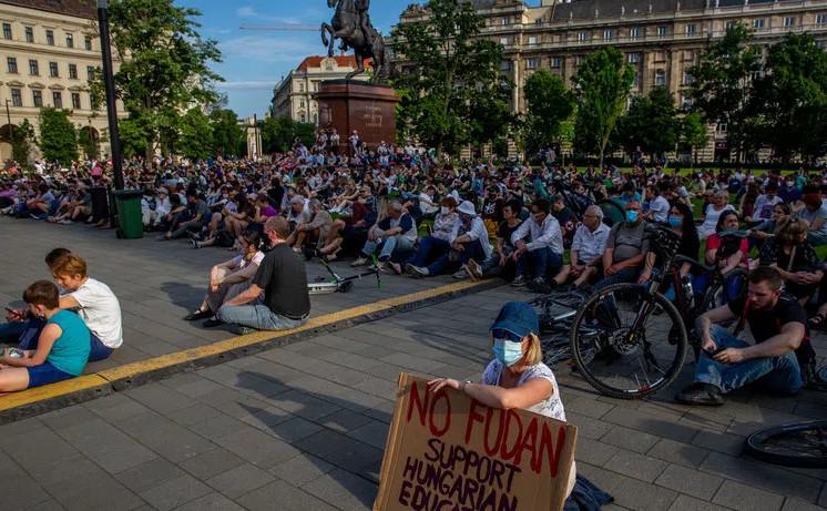 Budapesta, proteste împotriva deschiderii campusului Universităţii Fudan, asociată cu spionii regimului comunist chinez