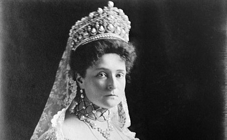 Marea diademă de diamant purtată de Alexandra Feodorovna