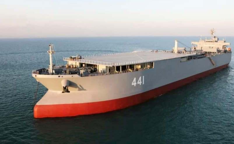Nava iraniană Makran, pe vremea când funcţiona ca petrolier