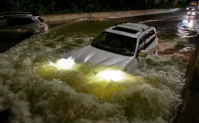 Rămăşiţele uraganului Ida lovesc oraşul New York, aducând inundaţii fulgerătoare