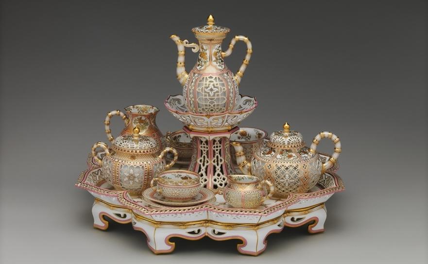 Serviciu de ceai şi cafea, manufactura Sevres, datat 1855-1861, Met Museum New York.
