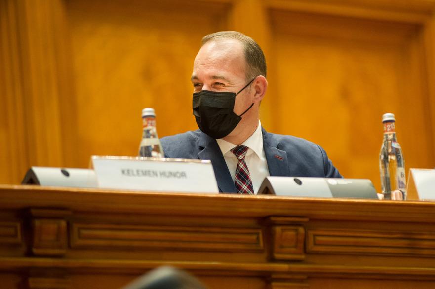 Ministrul Finantelor, Dan Vilceanu;